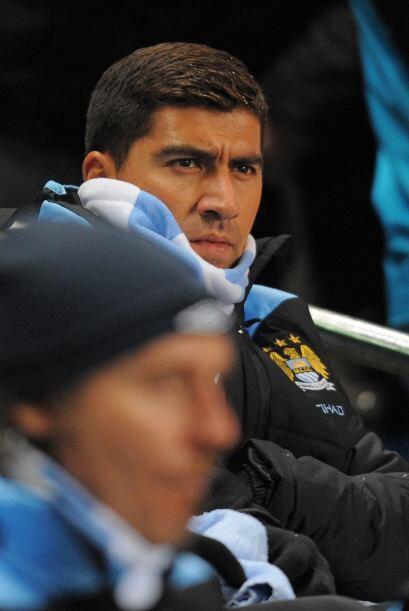 El chileno Pizarro, llegado desde la Roma, estuvo en el banco de suplentes.