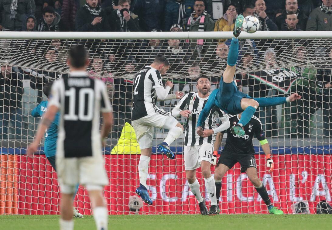 Paso a paso, Cristiano Ronaldo enseña cómo hacer un golazo de chilena en...