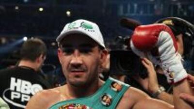 Humberto Soto pondrá a prueba su veteranía ante Frankie Gómez.