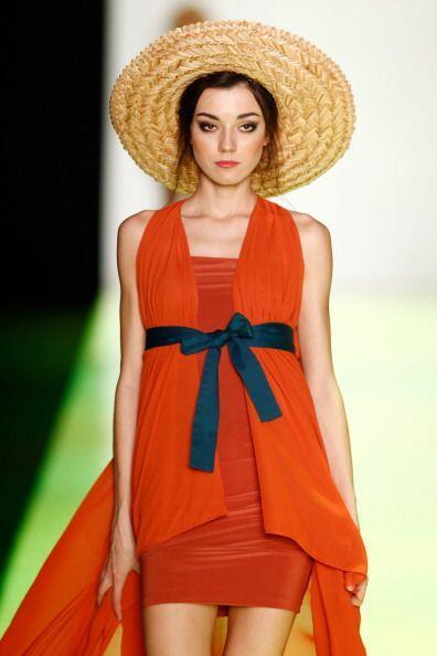 Los sombreros de paja te darán un 'look' distinto bajo el sol. El toque...