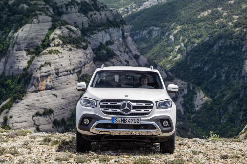 Esta es la nueva Mercedes-Benz Clase-X en fotos 17C384_014.jpg