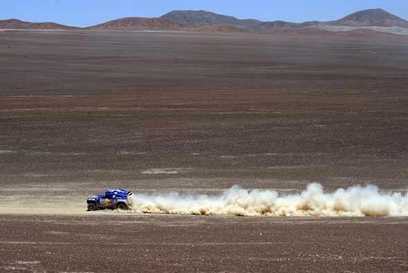 El piloto español Carlos Sainz avanza a paso de campeón en esta cuarta e...