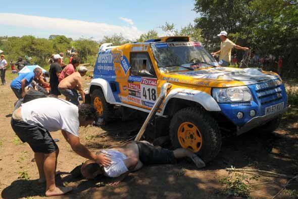 La primera etapa de competencia del Rally Dakar 2010 se tornó trágica a...