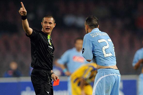 Las expulsión de Fabrizio Quagliarella terminó por sentenciar la derrota...