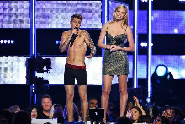 El que de plano dejó mucho qué desear fue Justin Bieber, quien se encuer...