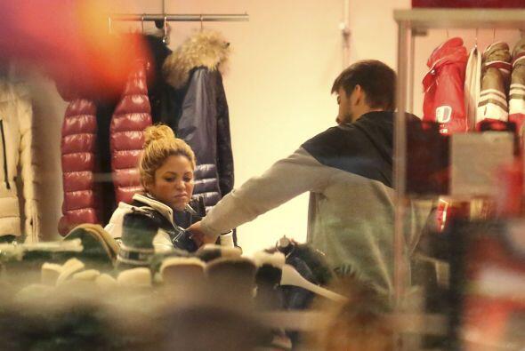 ¡Hasta de largas horas de shopping iba con la cantante!