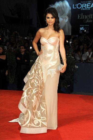 Famosas como Selena Gómez han pedido a los más prestigiados diseñadores...