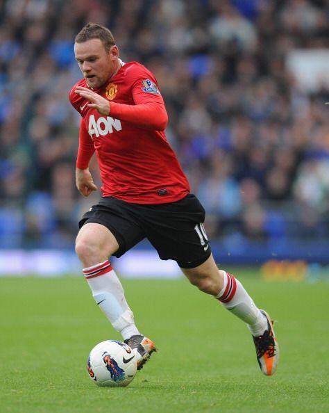 Otro que jugó su partido fue Wayne Rooney. El 'niño malo' luchó cada balón.