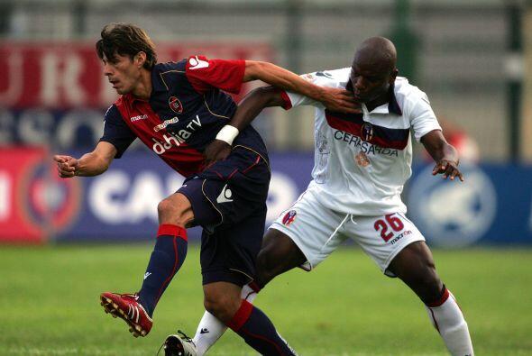 Cagliari y Bolonia era otro encuentro de equipos rezagados en la tabla g...