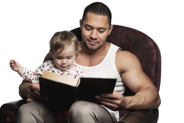 Léele a tu pequeño, y no lo tomes como una tarea: Diviértete con él o el...
