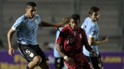 Uruguay y Perú entregaron un vibrante empate por 3-3 en el Grupo B, con...