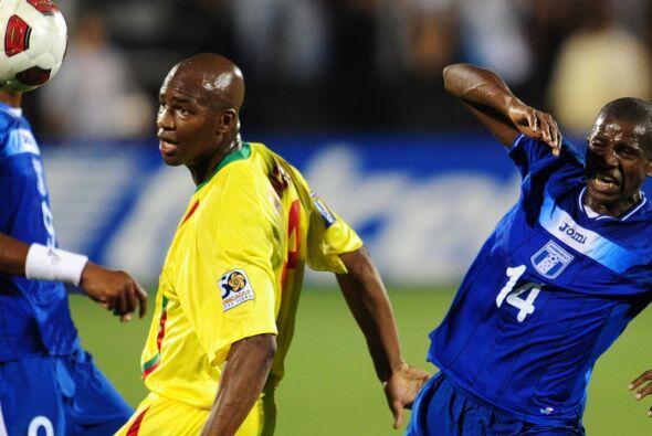Honduras goleó 7 - 1 a Granada, con 3 goles de Carlo Costly, dos de Jerr...