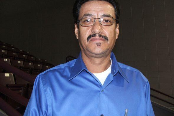 Raúl Montañez  Este padre de dos hijos es de origen mexicano y tiene 48...