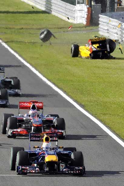 El accidente del Renault del ruso Petrov fue el más aparatoso.