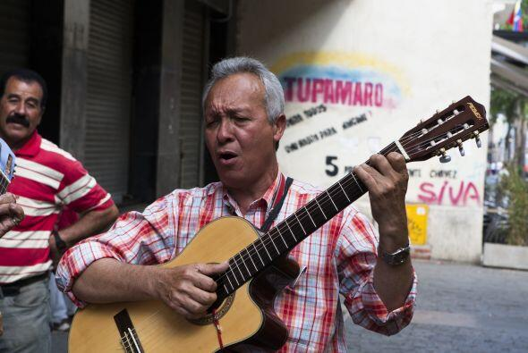 Algunos aprovecharon a entonar alguna canción dedicada para Hugo Chávez.
