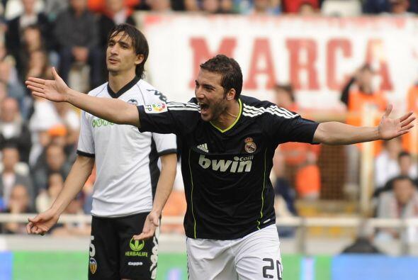 El 'Pipita' jugó su primer duelo titular tras la lesión en la espalda qu...