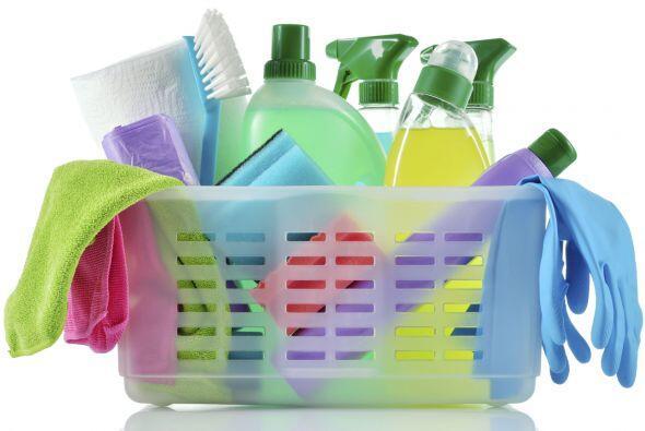 Artículos de limpieza. Para almacenar el detergente, jabón de ropa y lim...