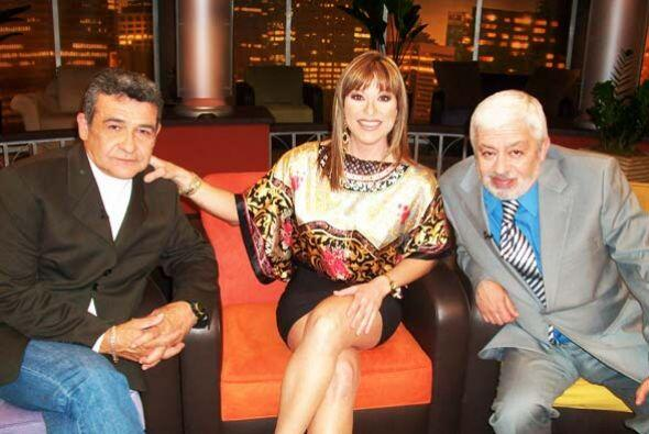 Armando le cuenta a Rosana y Jaime que pasó nueve horas viajando en el t...