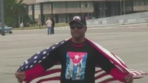 El opositor cubano Daniel Llorente se declara en huelga de hambre en un...