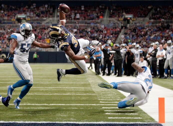 Los 30 jugadores con más puntos de fantasy en la semana 14 de la NFL 5-t...