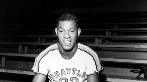 Con la primera selección global en el draft de la NBA de 1958-59,...