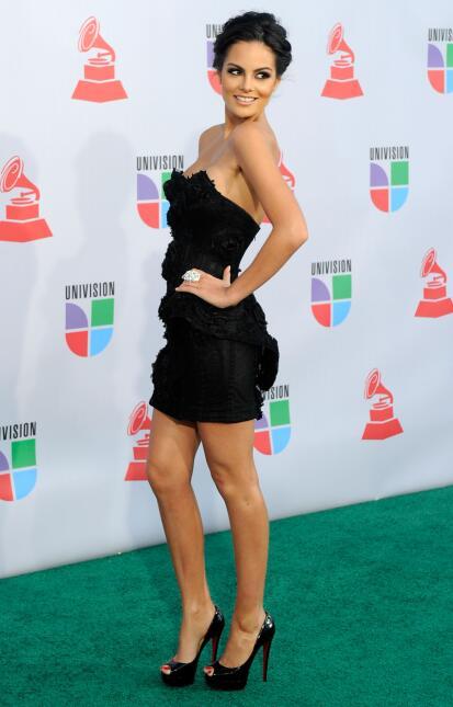 En el Latin GRAMMY de 2010, la hermosa mexicana Ximena Navarrete, tambie...