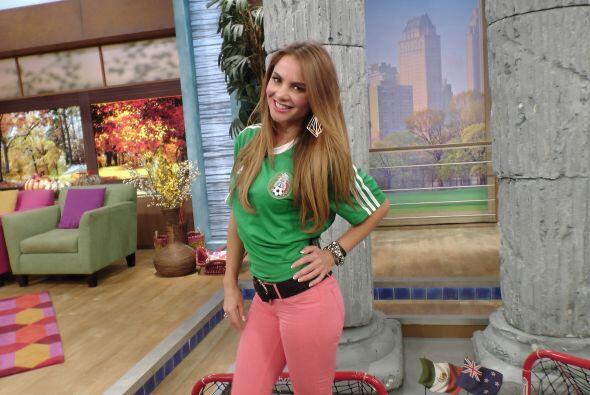 Ximena apoyó a sus compañeros y por supuesto a la Selección Mexicana.