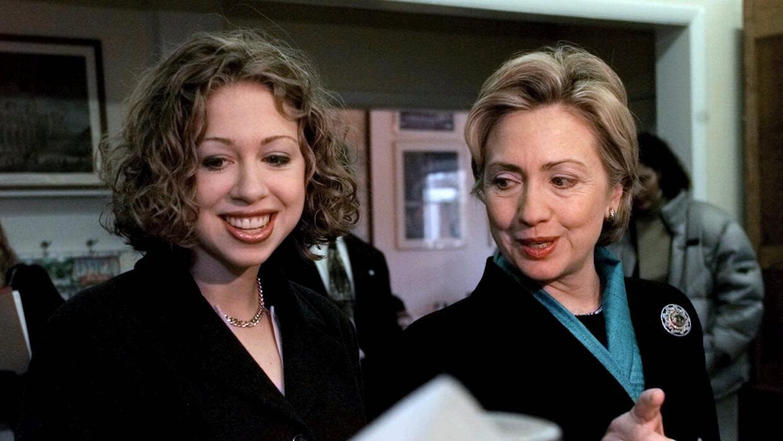 Clinton y su hija Chelsea durante la campaña al Senado en el 2000