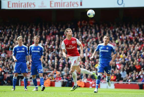 Arsenal siguió buscando el arco y volvió a quedar cerca con un tiro de c...
