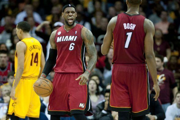 El alero LeBron James regresó a Cleveland, donde vuelve a ser querido po...