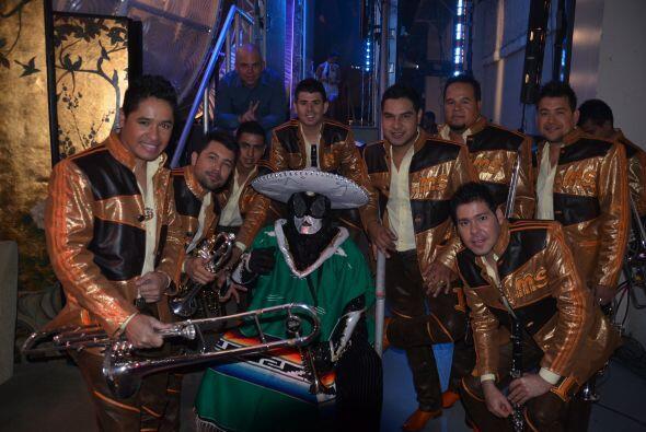 ¡La Banda MS y el Chacal de la Trompeta juntos! ¡Tal vez quieren que se...
