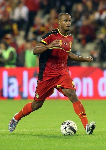 Vincent Kompany.- El capitán y jugador experimentado de Bélgica, juega e...