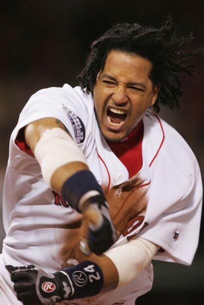 En 2004 y 2007 se llevó la Serie Mundial con los Red Sox al derrotar a l...