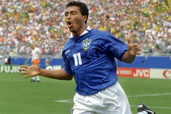 Romario es uno de los más grandes goleadores en la historia de Brasil pe...