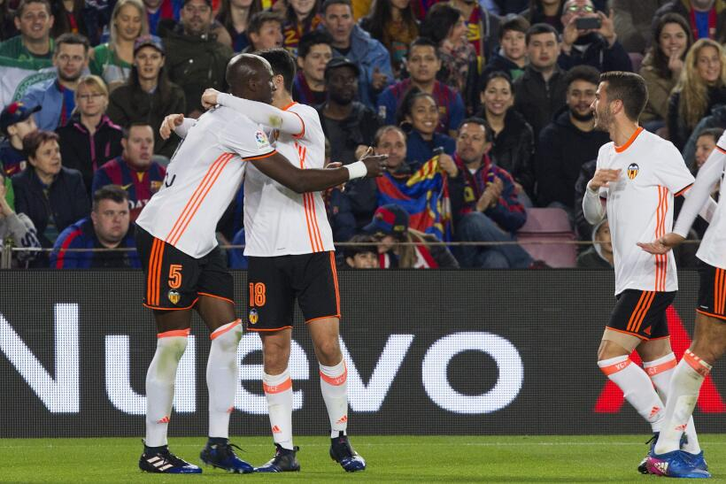 Messi y Suárez mantienen al Barcelona al acecho del Madrid 6362555564751...