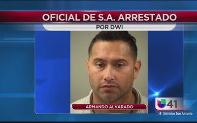 Oficial arrestado por conducir en estado de ebriedad