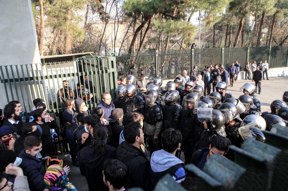 En fotos: Así han sido las protestas en Irán que dejan decenas de muerto...
