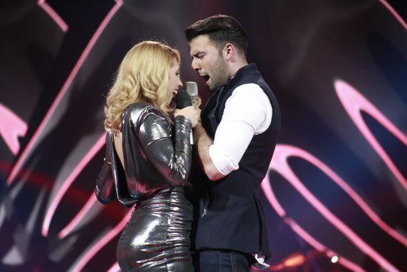 Paloma cantó con Canela uno de los clásicos del grupo invitado, Camila.