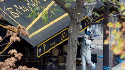 Periodista capta imágenes de ataque en el teatro Le Bataclan