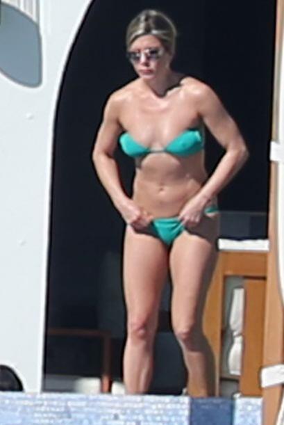Jennifer Aniston es otro claro ejemplo de que el 'strapless' no es para...