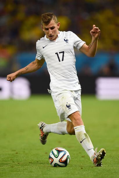 Digne es un jugador muy veloz con buen trato de pelota y proyección ofen...