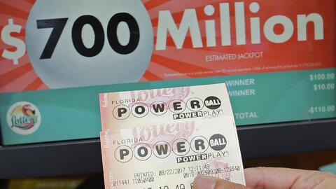 ¿Qué podrías hacer con los 700 millones de dólares del Powerball?