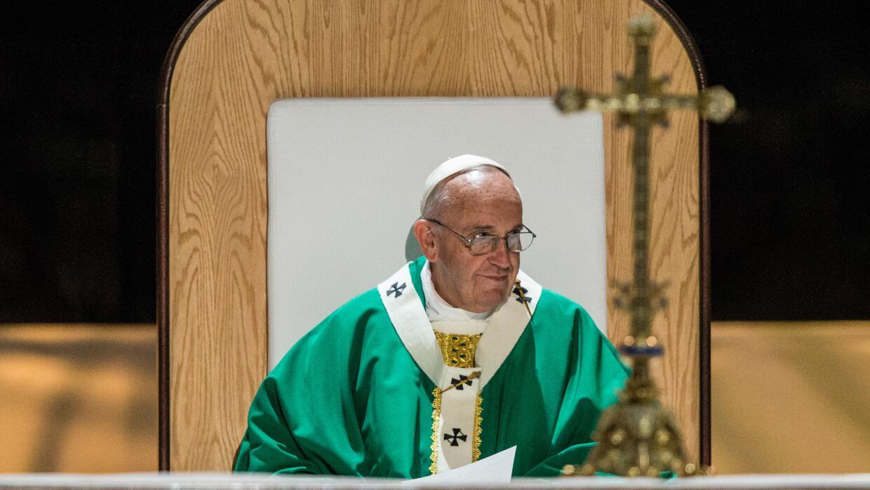 El papa Francisco en misa.