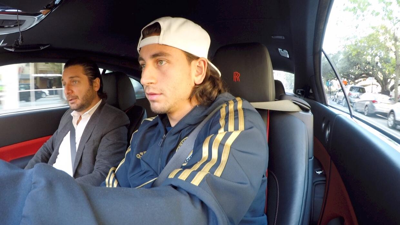 Alejandro Bedoya junto a Jaime Gabaldoni A Bordo del Rolls Royce Wraith...