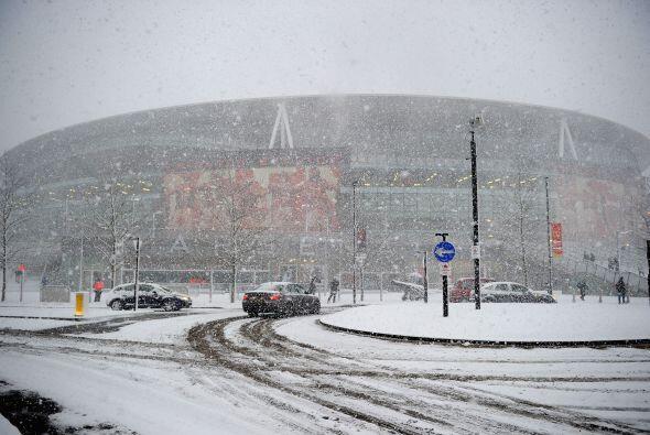 La nieve sigue cayendo sin parar lo que hace imposible pensar en tener f...