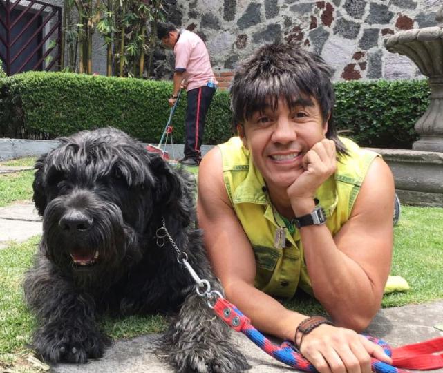Nosotros los Guapos | Albertano y El Vitor