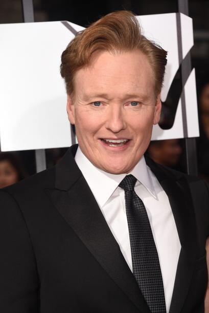 El conductor de este año, Conan O'Brien.  Mira aquí los videos más chism...