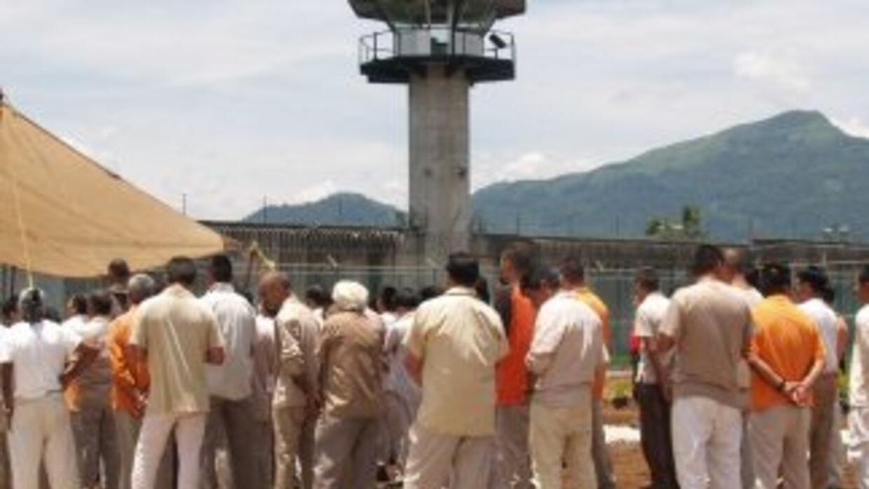 Un reo del penal de Hermosillo, Sonora rifaba una 'celda VIP', tenía pr...