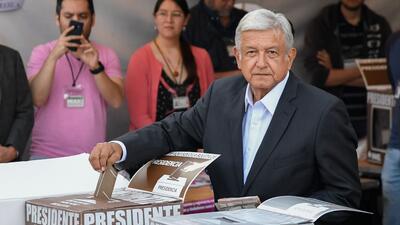En fotos: Así votó Andrés Manuel López Obrador, candidato del partido Morena