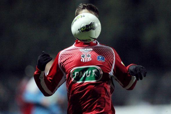 Este jugador con cara de balón es Jean Bati del Ajaccio.